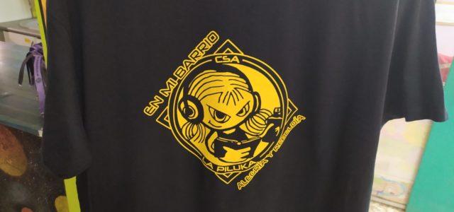 Nueva remesa de camisetas de La Piluka, distribuidas a través de nuestra Distribuidora La Deriva – CSA La Piluka Para saber más sobre la Distribuidora https://www.lapiluka.org/acerca-de/espacios-y-actividades/